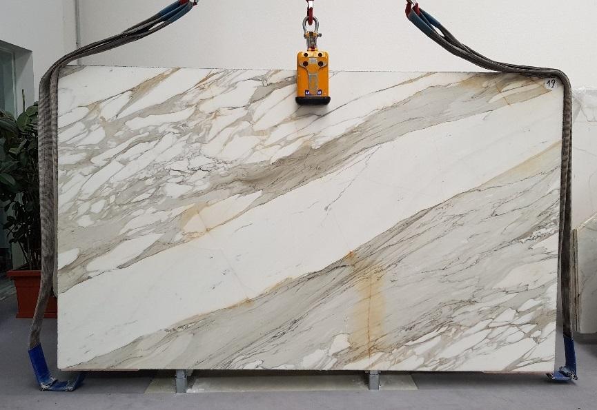 Calacatta-Borghini-marble-slab