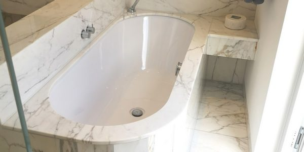 Calacatta-marble-bath-top