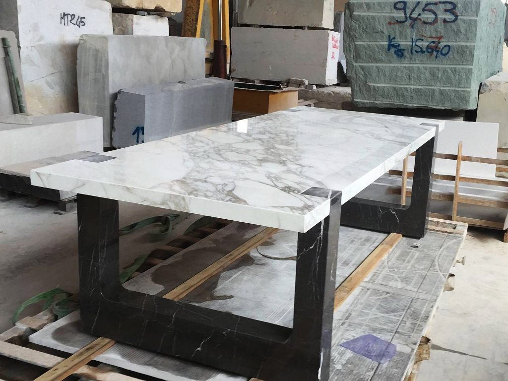 Arabescato-Vagli-Marble-rectuangular-table