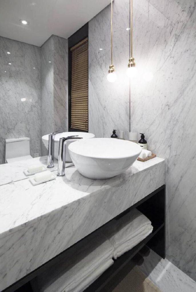 carrara-bianco-marble-bathroom