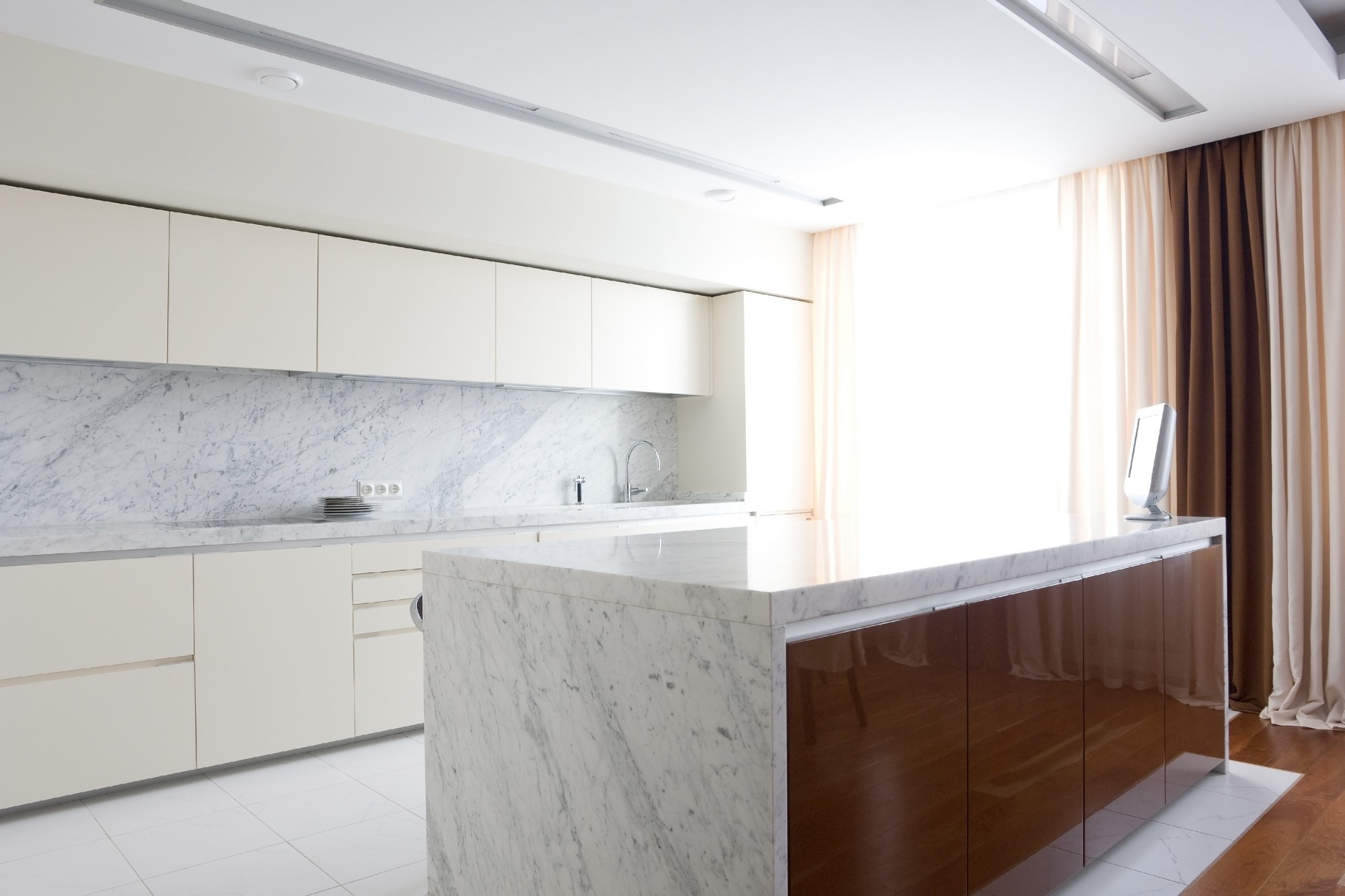 carrara-white-marble-kitchen-top