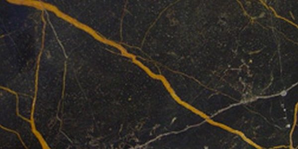 Noir-saint- laurent-marble