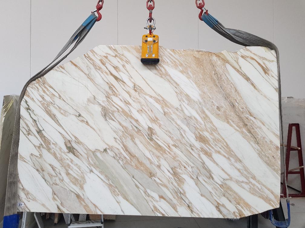 Calacatta Vagli gold marble
