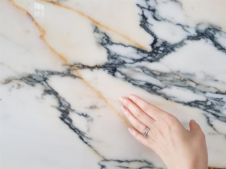 Calacatta paonazzo marble close up
