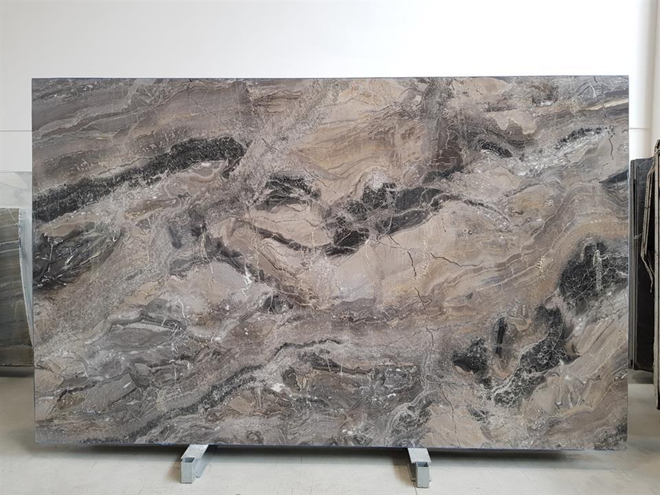 arabescato orobico grigio marble slabs