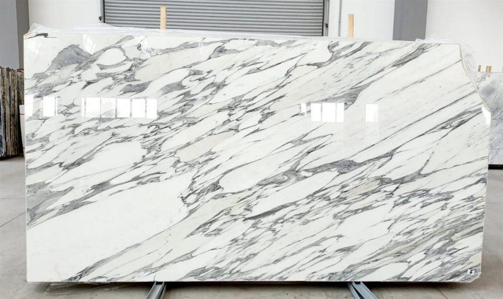Arabescato Corchia marble slabs